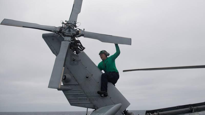 (U.S. Navy photo by Mass Communication Specialist 3rd Class Abigayle Lutz)