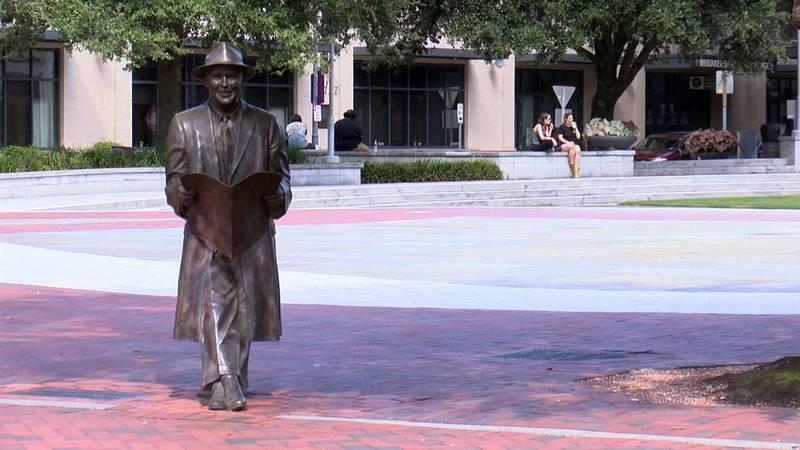 Johnny Mercer statue in downtown Savannah.