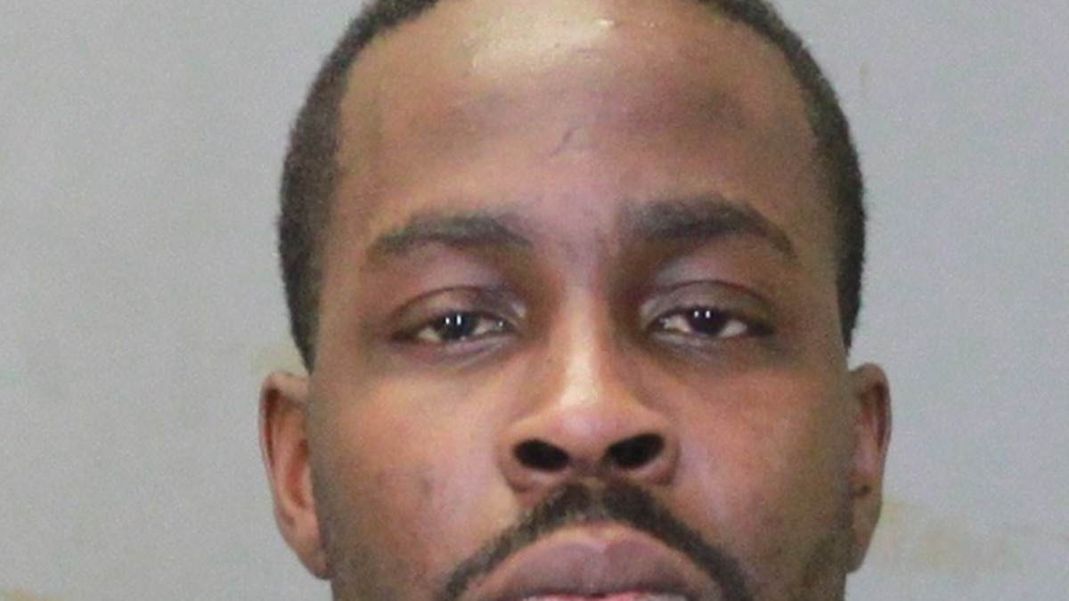 Jeffery Jones, 33, arrested for attempting to purchase a vehicle with a stolen identity