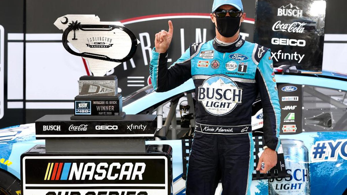 Kevin Harvick wins The Real Heroes 400 in Cup Series return