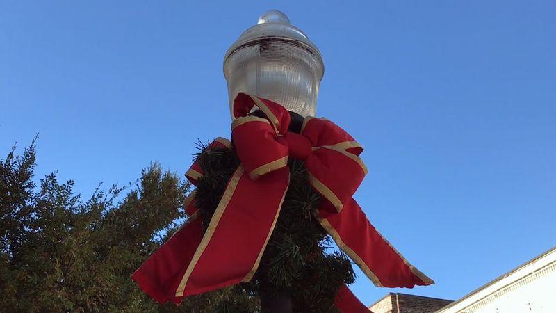 Savannah decorates for the holidays.