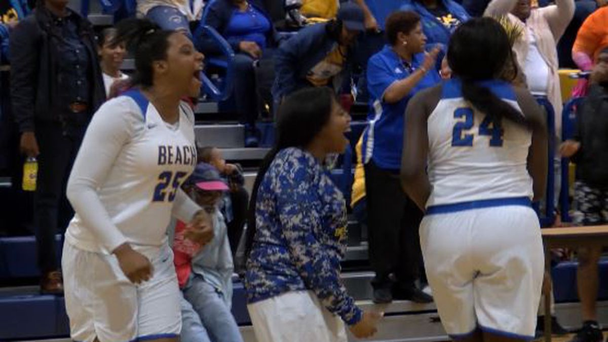 The Bulldogs rallied past Dawson County Tuesday to advance to their fifth state semifinal in...