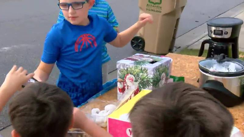 Richmond Hill boy starts coffee, donut stand to buy toys for kids