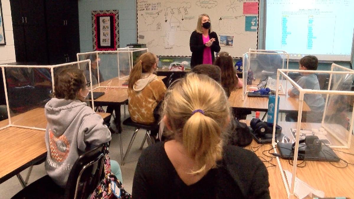 Christy Dixon teaches her class at Glennville Elem
