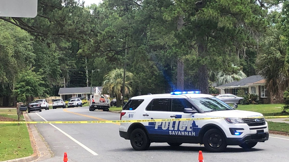 Savannah Police Department detectives are investigating after a shooting victim was found...