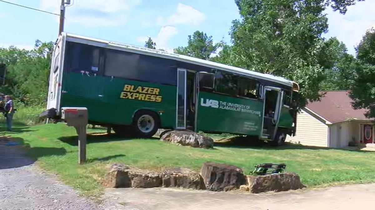 26 UAB employees were involved in a bus accident in Winston County. (Source: WBRC)