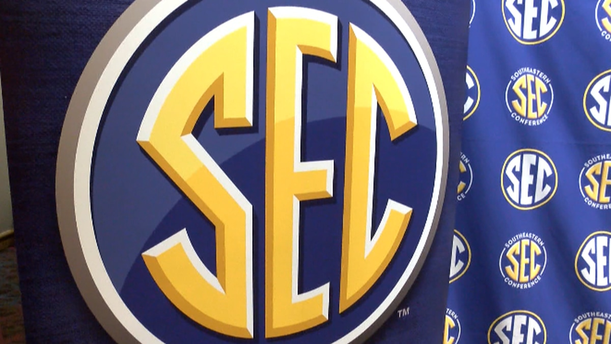 The Southeastern Conference has voted unanimously to invite both Texas and Oklahoma to join the...