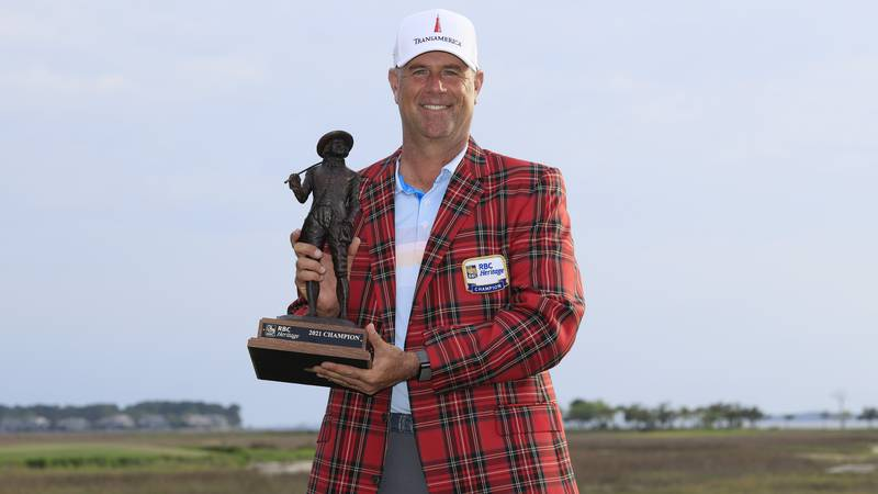 HILTON HEAD ISLAND, SOUTH CAROLINA - APRIL 18: Stewart Cink of the United States poses with the...