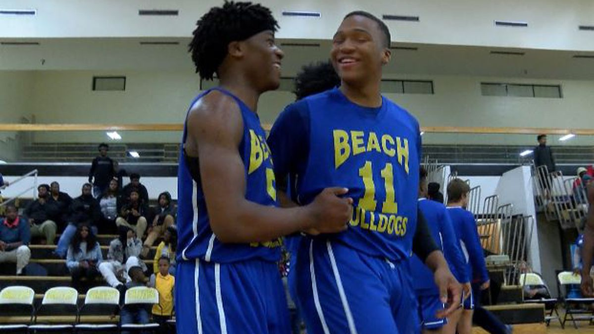 Beach celebrates a win after Javonte Landy hits the game-winning shot.