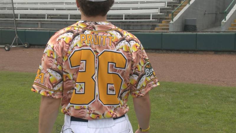 Turner Pruitt shows off his NIL Bananas jersey.