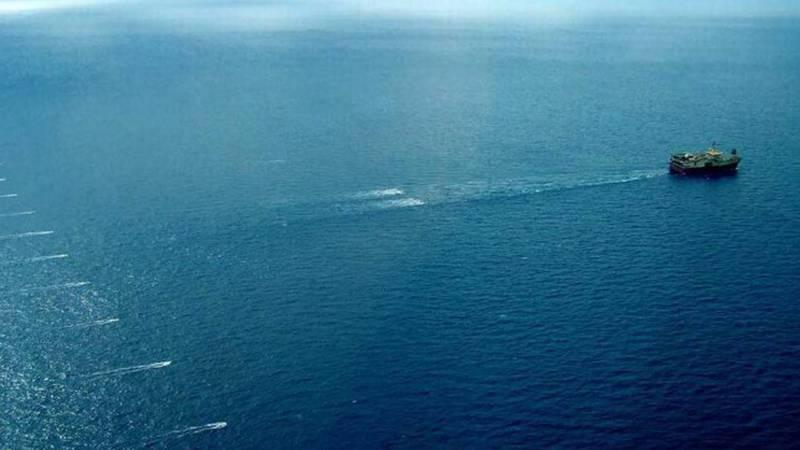 Seismic blasting ship